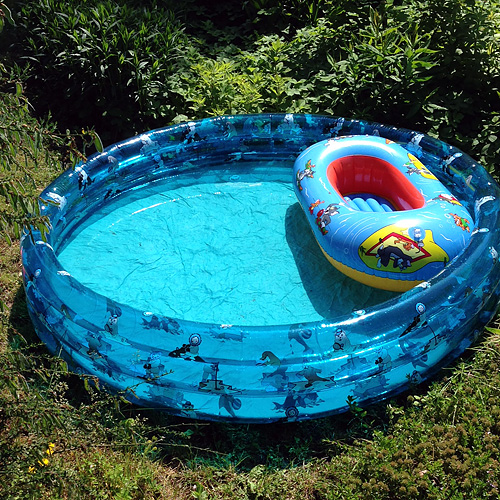 BASSIN IN BASSIN, plastic swimming pool, 22.05.2014
