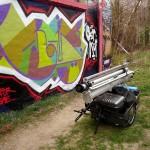 LEIPZIG-PLAGWITZ, HOCHSTATIV VERPACKT AUF HANDWAGEN, 02.04.2012