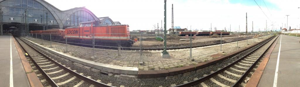 LEIPZIG, Hauptbahnhof, Bstg.17, LOCON 202, i-PANORAMA, looking west, 11.05.2014