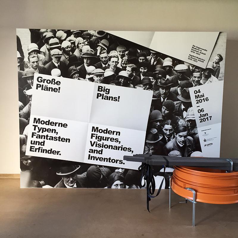 BAUHAUS DESSAU, Ausstellungsplakat mit XANTI SCHAWINSKY, i-phoneography, 06.05.2016