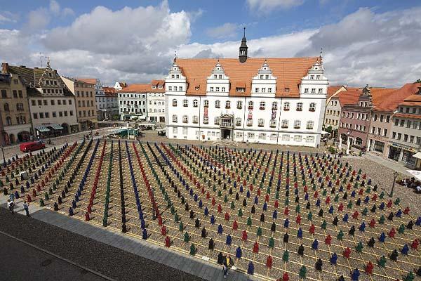 """Ottmar Hörl, Lutherlinge, Wittenberger Marktplatz, """"Martin Luther: hier stehe ich..."""" @ 17.08.2010"""