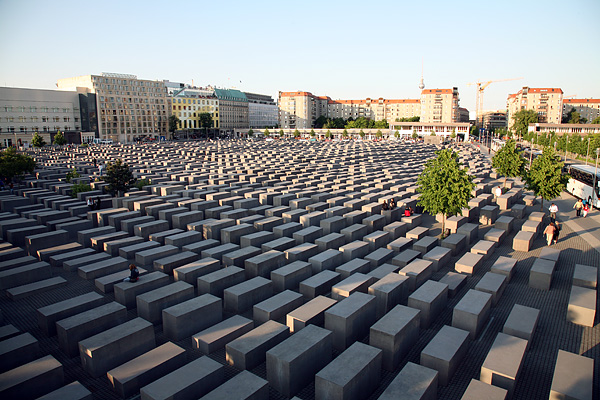 BERLIN-MITTE, Holocaust-Mahnmal, loocking north-east, 24.05.2008
