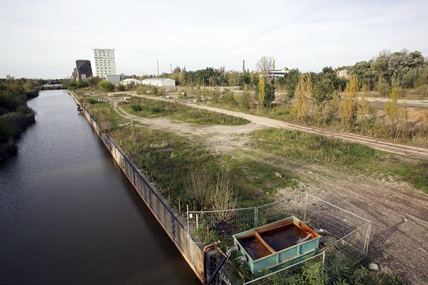LEIPZIG, Lindenauer Hafen, Hafenbecken, looking north, 18.10.2014