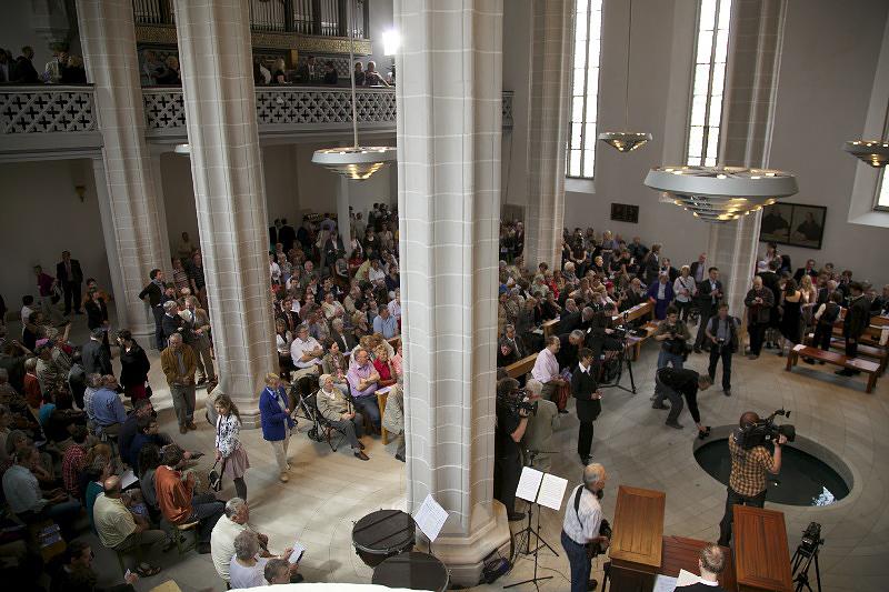 INNENRAUM VOR ERÖFFNUNG DER KIRCHE, 29.04.2012