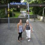LEIPZIG-PLAGWITZ, URBAN KNITTING VON STRICKER.LE, KARL-HEINE-PLATZ, 04.07.2012