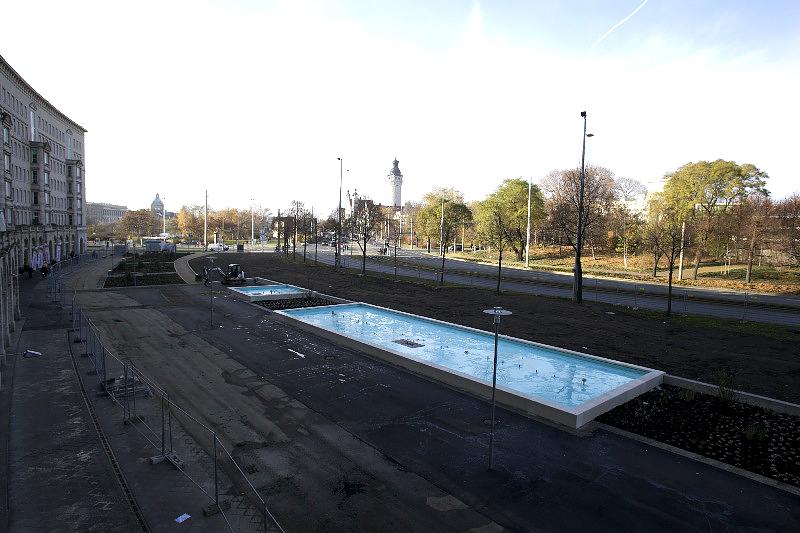 Leipzig, Roßplatz, Springbrunnen, Ansicht nach WEST, 23.11.2012