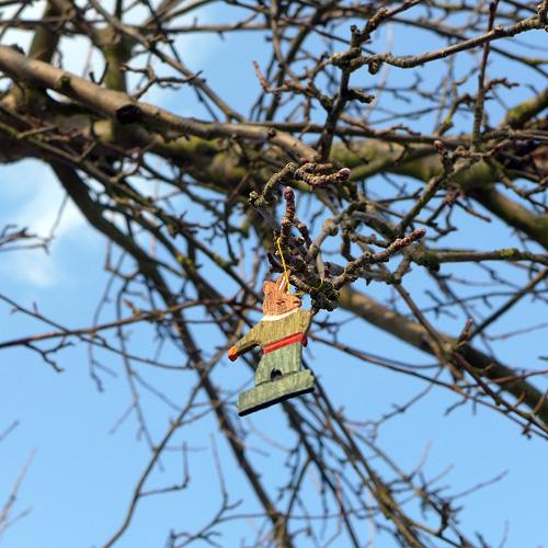 Klingers Weinberg, Osterhase im Apfelbaum, 30.03.2013