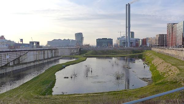 HAMBURG, Hafencity, Magdeburger Brück, looking west, 18.12.2013