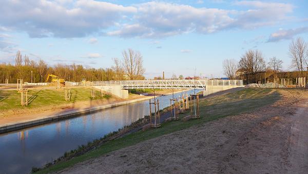 LEIPZIG, Hafenbecken-Neu, am Wassertorplatz, looking south, 18.04.2015