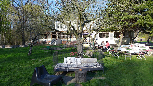 LEIPZIG, VILLA HASENHOLZ, Garten DETAIL, 19.04.2015