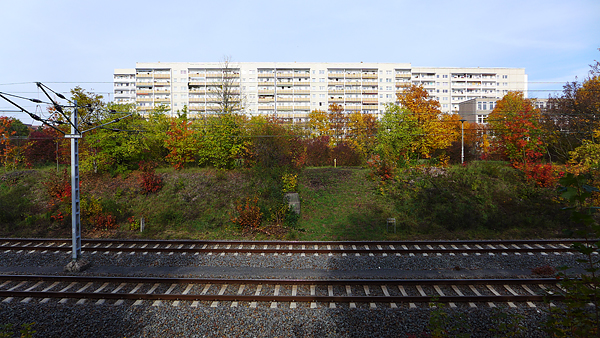 Leipzig-Grünau, vor Allee-Center, looking north, 24.10.2015