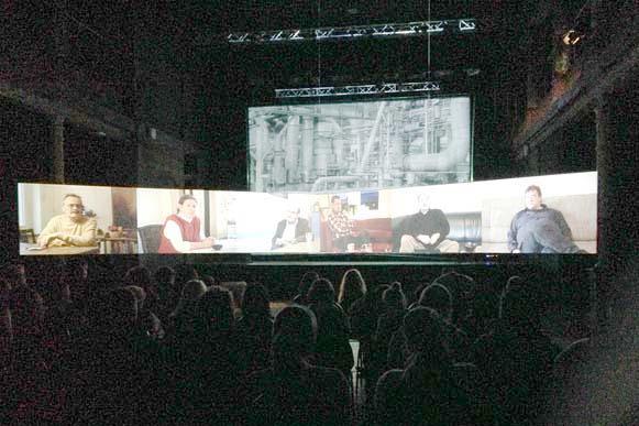 Raum-Installation, Publikum mit Multi-Projektion, looking north, inside, 16.01.2014