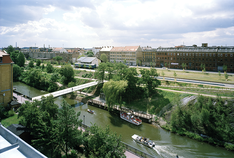 Crossing the Frontier, Photographs of the Developing LEIPZIG-Plagwitz, 05.06.2000